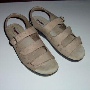 Propet triple strap leather tan 10 EU 40.5